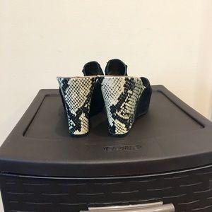 Nine West Shoes - ♦️NEW LISTING ♦️Suede 🐍 snakeskin